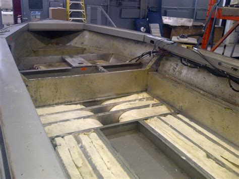 How To Fiberglass A Boat Floor by All Brands Boat Repair At Lund Manufacturer S Canadian