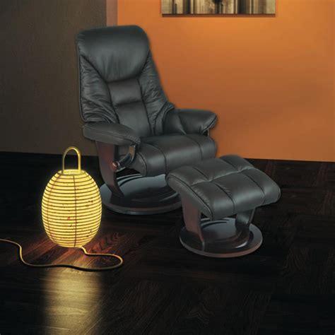marque fauteuil relaxation fauteuil de relaxation et pouf repose pied en cuir