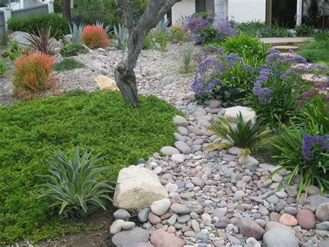 dry river bed landscaping dry river beds dry creek riverbeds pinterest