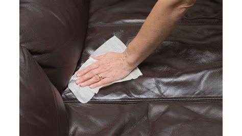 pulire divano in pelle come pulire il divano in pelle