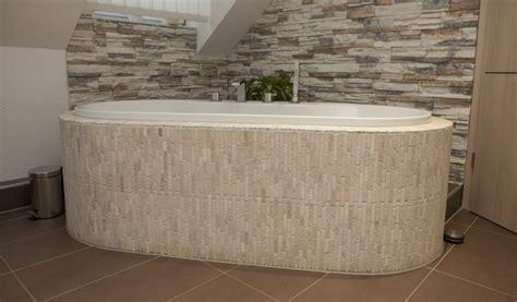badewanne mit fliesen verkleiden fishzero dusche freistehende wand verschiedene