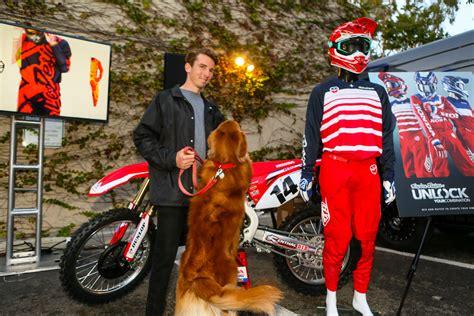 troy lee designs motocross gear first look 2018 troy lee designs gear and helmet line