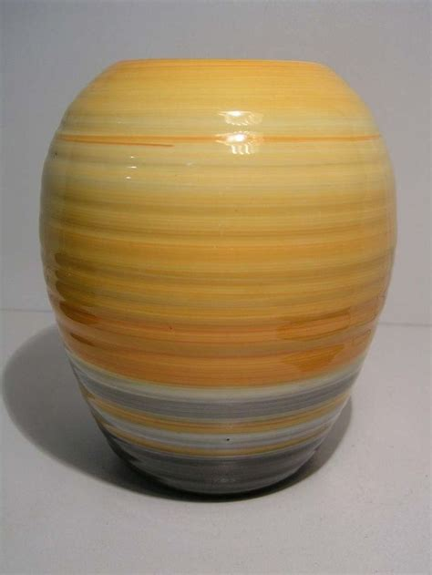 Shelley Pottery Vases by 139 Best Images About Shelley Vases And Jugs On