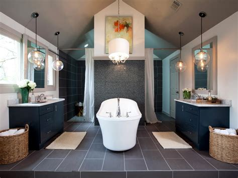 Walk In Tub Designs: Pictures, Ideas & Tips From HGTV   HGTV