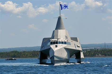 trimaran english file x3k trimaran jpg wikimedia commons