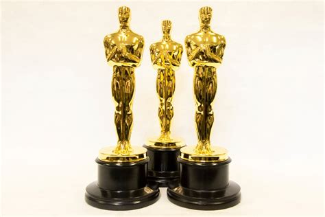 How To Make An Oscar Trophy Out Of Paper - using 3d printing to update the original 1929 oscars
