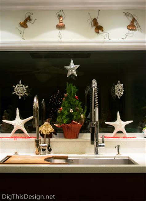 tips on decorating window sills for the holidays