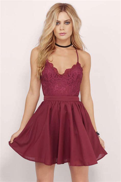 Dres Donita No 8 mila burgundy lace pleated sleeveless skater dress 39 tobi us