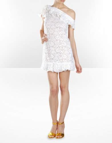 beyaz dantel elbise modeli ev dekorasyon fikirleri tek omuzlu beyaz dantel elbise modeli kadın sitesi