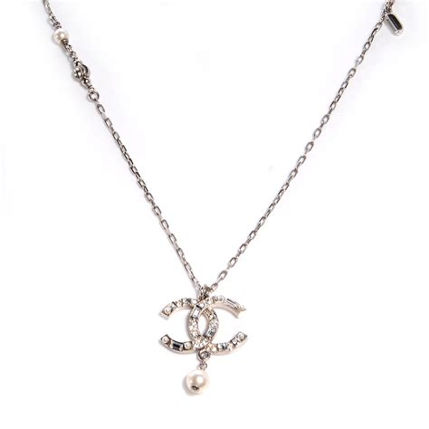 Chanel Chain Baguette by Chanel Pearl Baguette Cc Chain Necklace