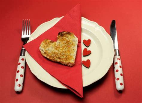 tavola di san valentino come apparecchiare la tavola a san valentino foto