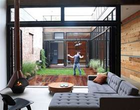 mesh designs a serene atrium bachelor pad in brooklyn for courtyard centric brisbane home design juiced pixels
