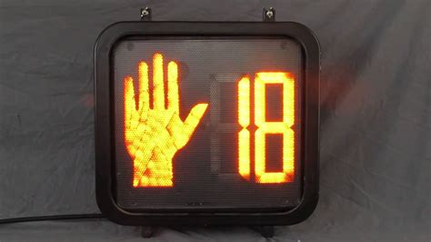 why are the lights in traffic signals always in order newer ge countdown pedestrian traffic signal youtube