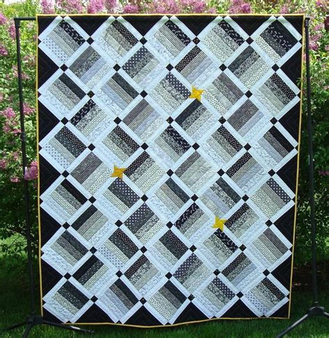 Free Black And White Quilt Patterns by 6 Beautiful Black And White Quilt Patterns