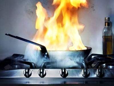 kompor gorengan meledak pedagang terluka kabar harian