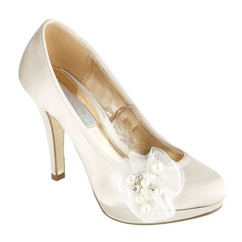 schuhe hochzeit ivory wedding shoes ivory pointed toe diamante ballet shoes