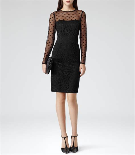 Dress Lace Polka 301 moved permanently