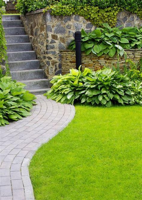 erba sintetica per terrazzi prezzi preventivo erba verde sintetica per terrazzi e piscine