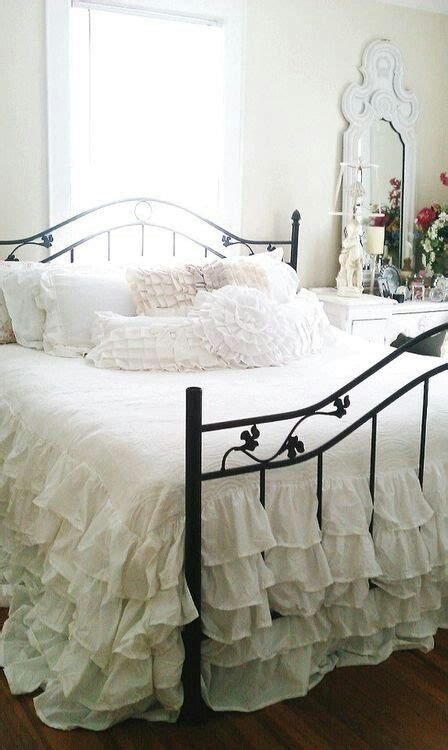 black and white shabby chic bedroom 25 delicate shabby chic bedroom decor ideas shelterness