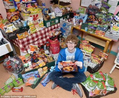 discount vouchers groceries uk the coupon kid returns teenager manages to get 163 572 of