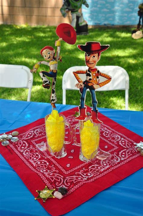 toy story centerpiece riyahs birthday planning pinterest