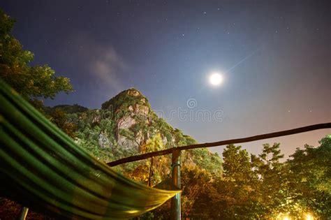 Hamac Montagne by Hamac La Nuit Avec Le Fullmoon Et Les 233 Toiles Devant Une
