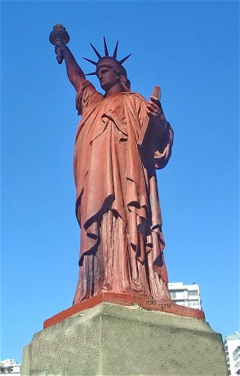 what color is the statue of liberty hostel buenos aires the buenos aires statue of liberty