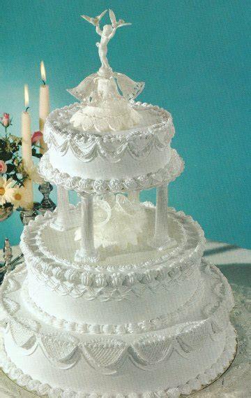 white wedding cakes  buttercream frosting wedding ido