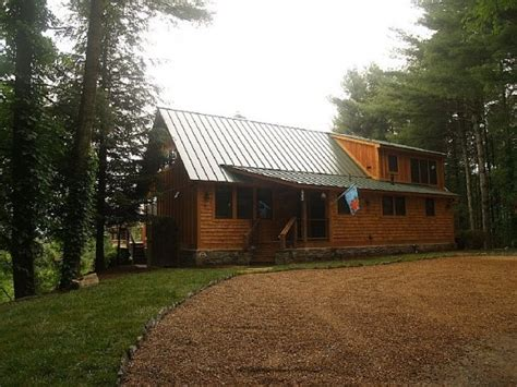 bees knees cabin in valle crucis nc where we got engaged