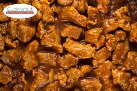 cucinare gulash gulash di cinghiale cucinare it