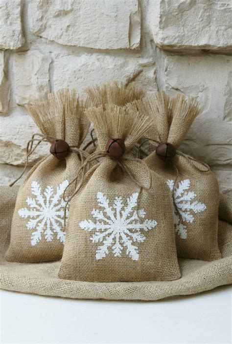 10 winter wedding favors burlap bags burlap and shabby chic