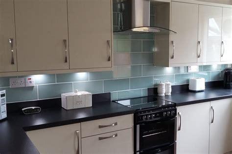 Fit Kitchen Reviews by Granite Worktops Reviews Best Quartz Kitchen Worktops