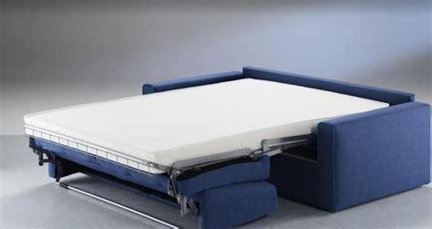 divano si trasforma in letto a divano letto family bedding modello divani a