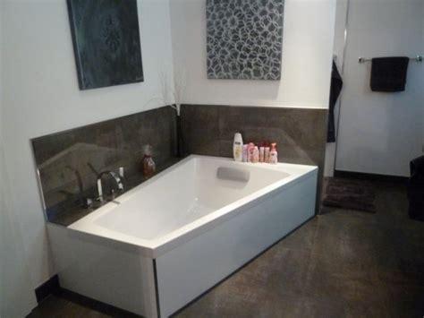 schwarz weiß fliesen badezimmerboden badezimmer dekor braun