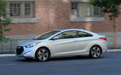 2013 hyundai elantra coupe drive photo gallery