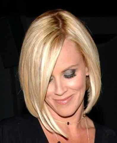 jenny mccarthy hair color jenny mccarthy has a great bod with a short neck she