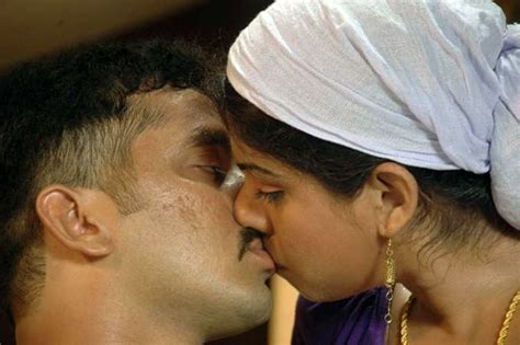 video film india hot kiss hot actress pictures hot mouth lock kiss pictures from