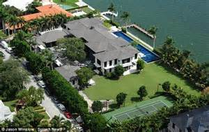 20000 Sq Ft House Plans enrique iglesias moves into 26m miami mansion with tennis