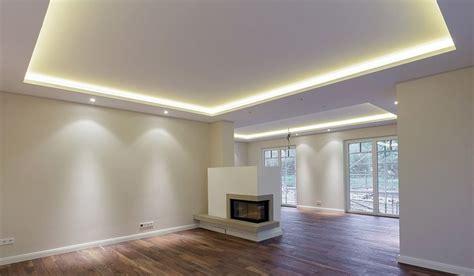 led strips wohnzimmer licht statt leuchten mit hilfe lichtvouten lassen