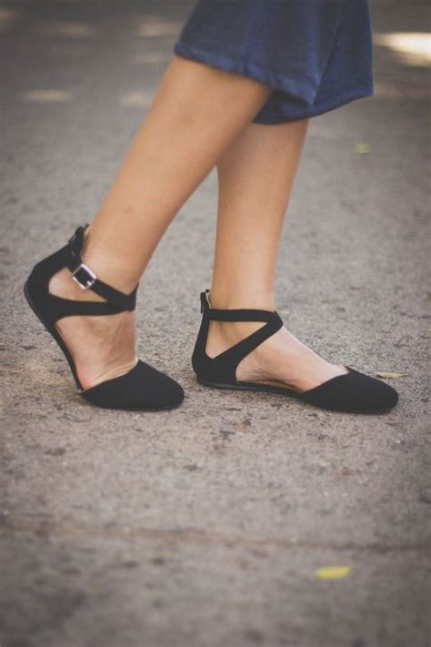 best 25 closed toe sandals ideas on strappy