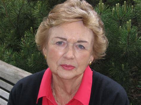 actress kay davis crown memorial centers funeral burial memorial