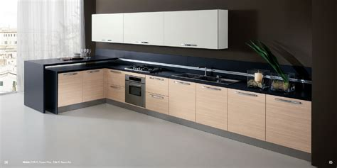 Praia Kitchen Design with Bianco Adi finish wall unit
