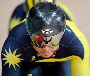 Meja Tv Olimpik bernama pocket rocketman rangkul pingat emas pertama