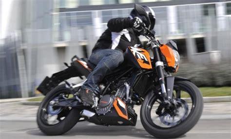 Ktm Duke 125 Test Ktm 125 Duke Test Motociclismo