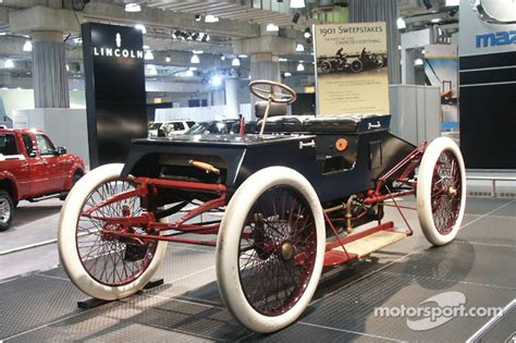 World Series Car Giveaway - henry ford s 1901 sweepstakes car at new york international auto show