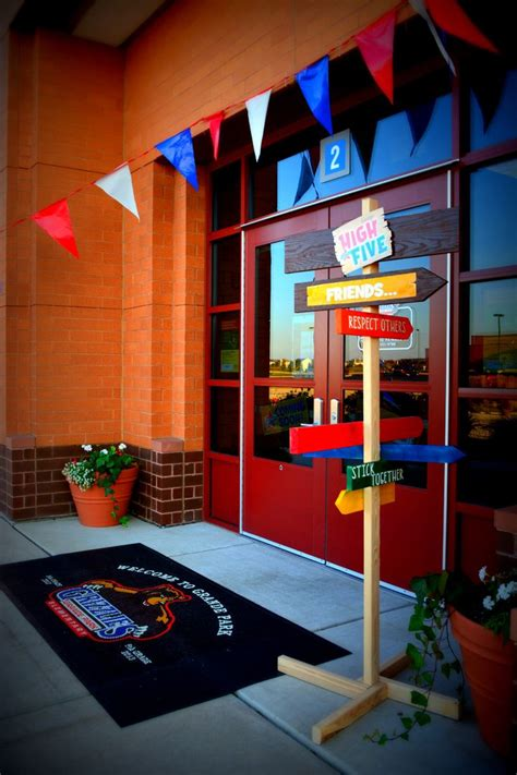 themes for college skit best 25 school entrance ideas on pinterest pta school