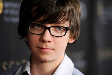 tv boy actor with full hair bangs more pics of asa butterfield emo bangs 3 of 5 emo