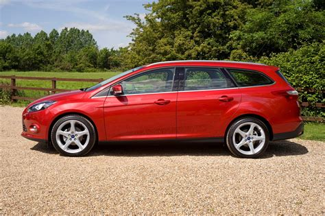 ford focus review ford focus estate review 2011 parkers