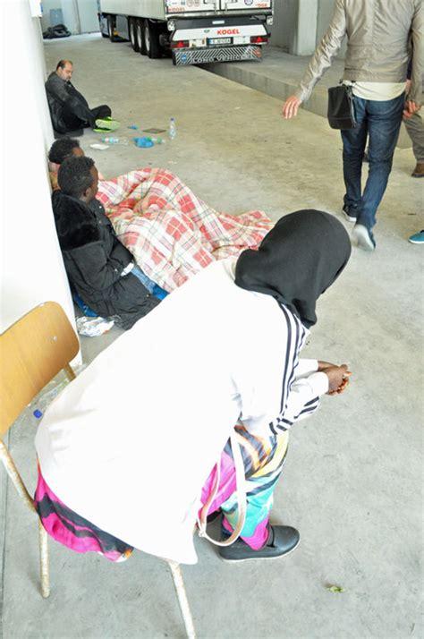 ufficio immigrazione presso ufficio stranieri polizia bologna contrasto a immigrazione clandestina cinque arresti nel