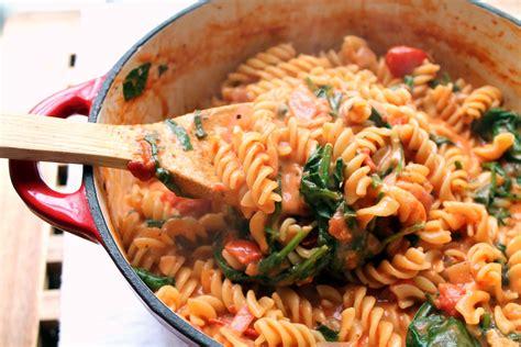 tomato pasta recipe pasta with creamy tomato arugula sauce nadine s nibbles